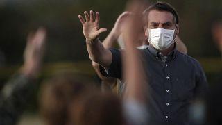 """برازيليون يطالبون الجنائية الدولية بالتحقيق في """"جرائم"""" بولسونارو بشأن كوفيد-19"""