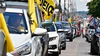 Integrantes de la caravana que recorrió San José para protestar contra las medidas del Gobierno para contrarrestar las consecuencias económicas de la pandemia