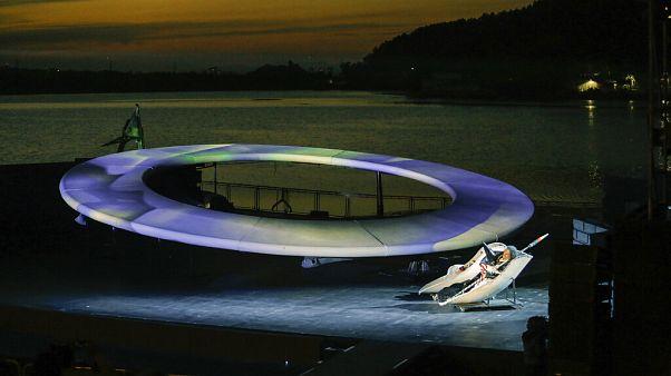Autósmozi-stílusban zajlik a svájci nyári zenei fesztivál