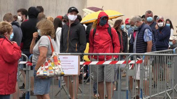 Ingyen végzik Franciaországban a koronavírus-teszteket
