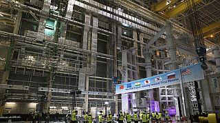 Güneş'ten 10 kat daha yüksek ısıya erişebilen dünyanın en büyük nükleer füzyon projesinde yeni aşama