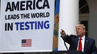 الرئيس دونالد ترامب يتحدث عن فيروس كورونا خلال مؤتمر صحفي بالبيت الأبيض في واشنطن