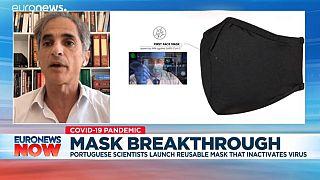 Il virologo portoghese Pedro Simas parla della mascherina in diretta su Euronews Now