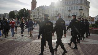 الشرطة البيلاروسية تغلق ساحة في مينسك 15 يوليو 2020.