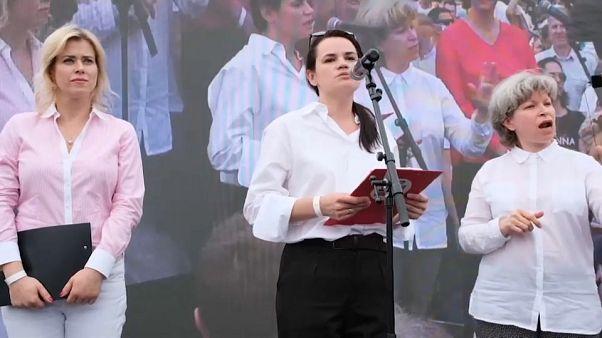 Λευκορωσία: Αέρα αλλαγής «βλέπουν» αναλυτές - Συνωμοσίες ο Λουκασένκο
