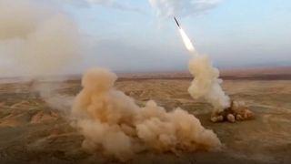 Iranische Raketen starten aus einer Untergrund-Basis an einem unbekannten Ort.