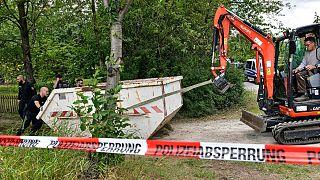 Uma das escavadoras envolvidas na operação de busca em Seelze, na Alemanha