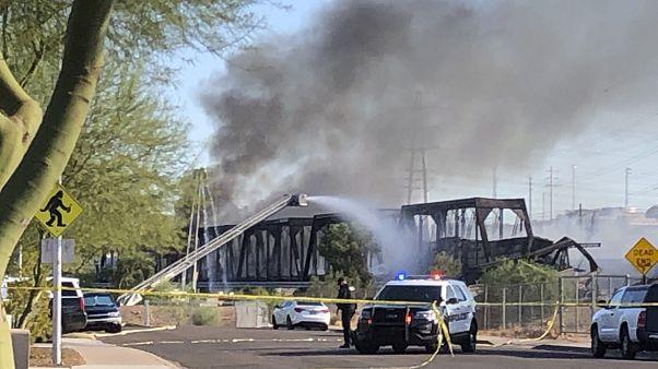 Εκτροχιασμός τρένου στην Αριζόνα - Κατέρρευσε τμήμα γέφυρας