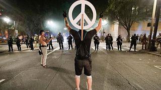 ناآرامیها در آمریکا؛ نیروهای فدرال از پورتلند خارج میشوند