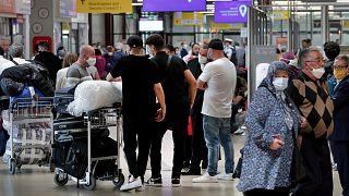 Almanya Türkiye'ye seyahat uyarasını kaldırmadı