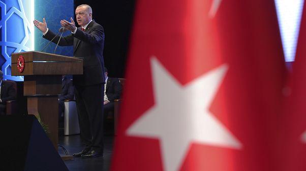 Ερντογάν: «Θα συνεχίσουμε μέχρι τέλους τη δουλειά που ξεκινήσαμε στην Αν. Μεσόγειο και το Αιγαίο»
