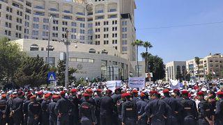 صورة أرشيفية لاعتصام المعلمين وسط العاصمة الأردنية عمّان للمطالبة بزيادة الرواتب (5 أيلول/ سبتمبر 2019)