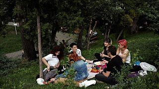 Ankara'da piknik yapan gençler