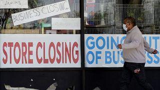 AB İstatistik Kurumu Eurostat, Covid-19 pandemisi kısıtlamaları sürecinde işsizlik oranının arttığını açıkladı.