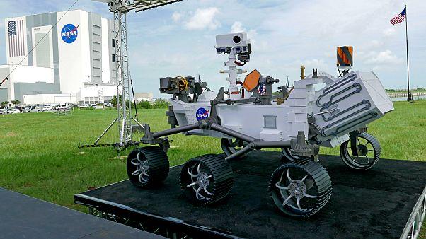 """Robô """"Perseverance"""" vai procurar sinais de vida marciana em rochas"""