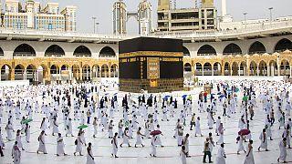 Les musulmans du monde entier fêtent l'Aïd mlagré les restrictions contre le Covid-19