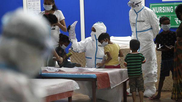 دراسة أمريكية: كمية فيروس كورونا تكون عالية لدى الأطفال دون سن الخامسة