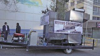 El horno crematorio portátil en las calles de La Paz, el 29 de julio de 2020.