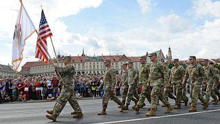 آمریکا با یک توافقنامه دفاعی حضور نظامیانش در لهستان را دائمی میکند