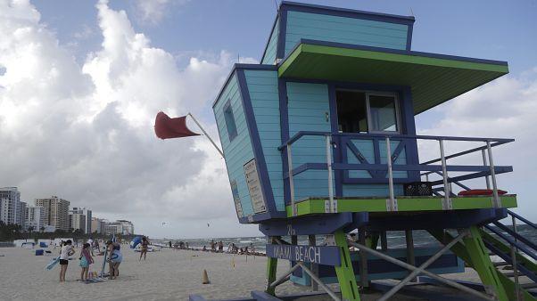 Φλόριντα: Σε κατάσταση έκτακτης ανάγκης λόγω τυφώνα και Covid-19