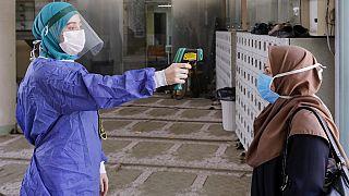 طبق آمار رسمی ایران طی ۲۴ ساعت گذشته ۲۱۶ نفر دیگر قربانی ویروس کرونا شدند