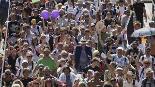 Tüntetés Berlinben a koronavírus miatti intézkedések ellen