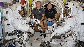 Fin de mission pour deux astronautes américains
