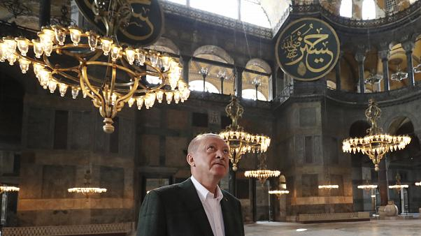 Cumhurbaşkanı Erdoğan, Ayasofya'yı ziyaret ederken