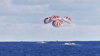 La capsule Dragon se pose dans le Golfe du Mexique
