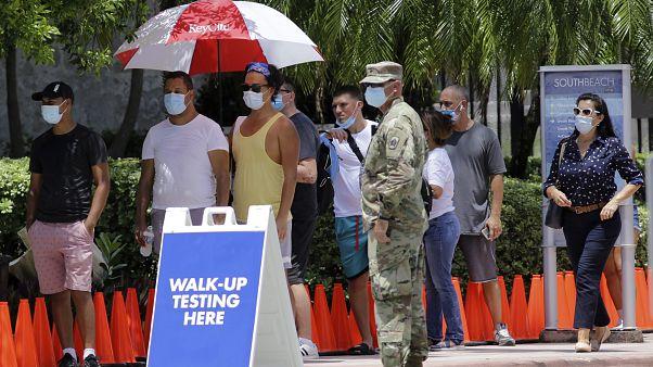 ΗΠΑ: Η χώρα πέρασε σε «νέα φάση» της πανδημίας