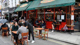 Londra'da bir restoran, 4 Temmuz 2020