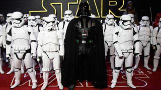 افتتاحیه «جنگ ستارگان: نیرو بیدار میشود» در لندن ۲۰۱۵