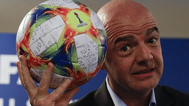 ФИФА защищает Инфантино