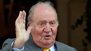ملك إسبانيا السابق يقرر مغادرة البلاد إلى المنفى إثر شبهات فساد