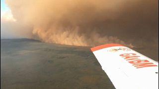 Imagem aérea de uma coluna de fumo no Pantanal