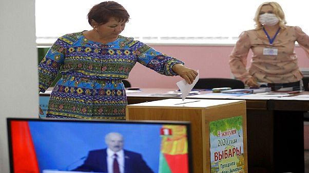 Começou o voto antecipado na Bielorrússia