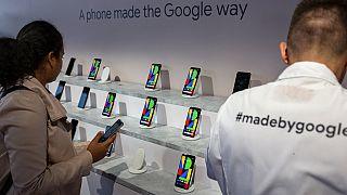 """""""غوغل"""" تكشف عن نموذج جديد من هواتف """"بيكسل"""" مزود بشريحة ذكية"""