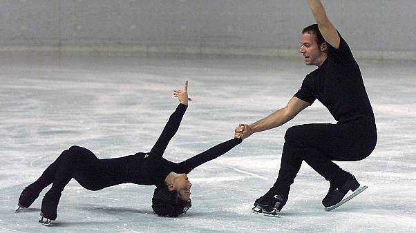 Archives : les patineurs Sarah Abitbol et Stéphane Bernadis, le 3 novembre 2000