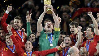 12 luglio 2010. Iker Casillas e la Spagna sul tetto del mondo.