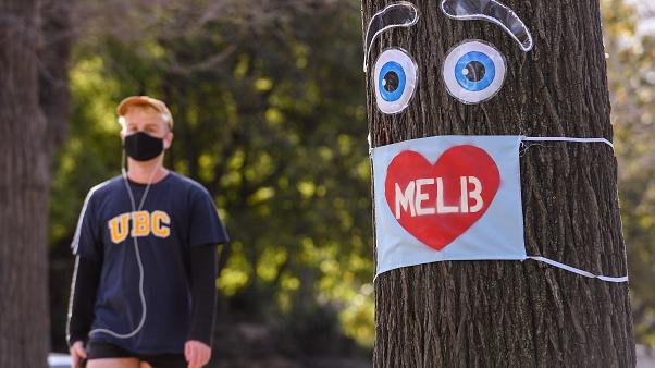 A Melbourne coprifuoco per le prossime sei settimane, niente matrimoni e si ritorna alle lezioni online dopo i nuovi focolai