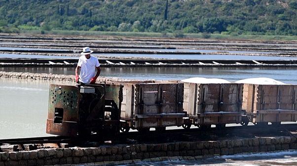 Hırvatistan'da 2 bin yıldır değişmeyen gelenek: Deniz suyundan sofra tuzu elde etmek