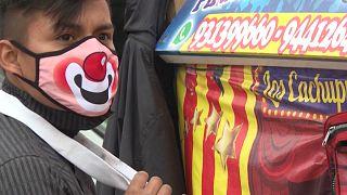 Перу: клоуны на улицах Лимы