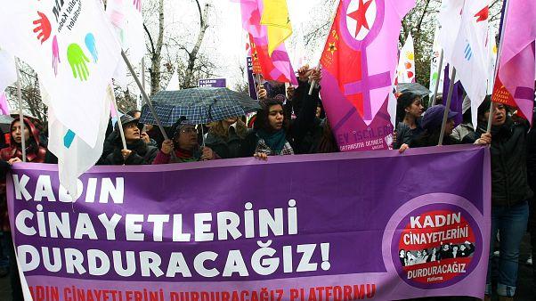 Ankara'da kadın cinayetlerine karşı yürüyüş (arşiv)