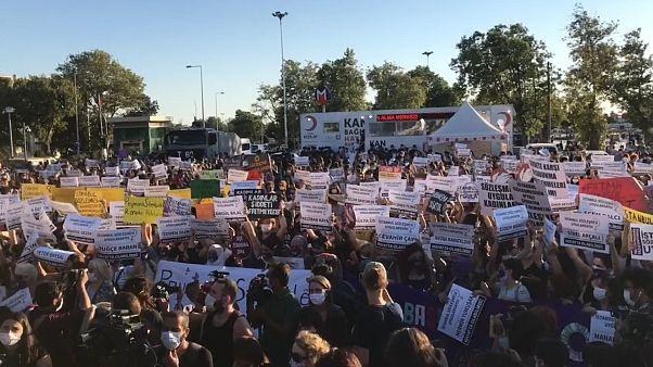 İstanbul'da kadınlar 'İstanbul Sözleşmesi' için toplandı