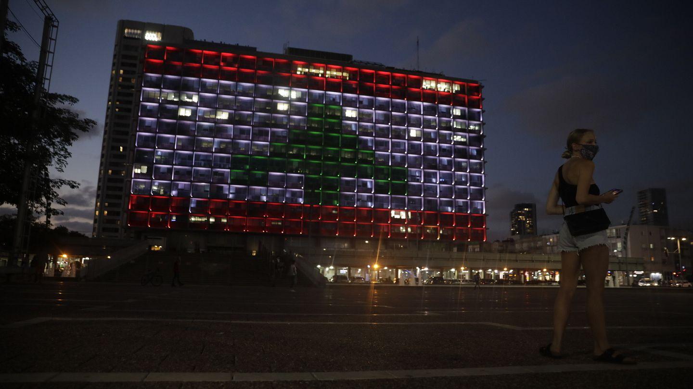 شاهد تل أبيب تضيء مبنى بلديتها بعلم لبنان إثر انفجار بيروت Euronews