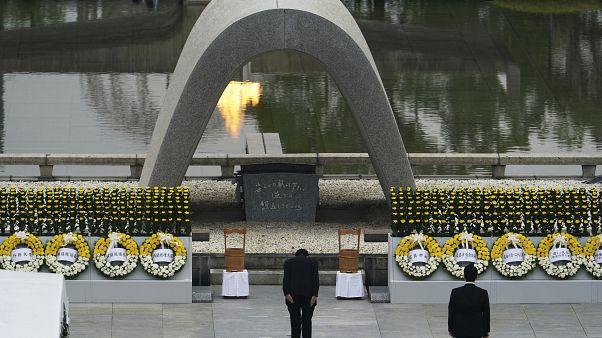 Az atombombák japán áldozataira emlékeztek