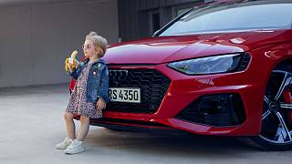 Audi'nin tartışmalara neden olan kız çocuklu reklamı.