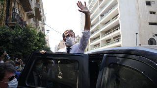 Emmanuel Macron in Siegerpose nach einem Rundgang durch die Straßen von Beirut