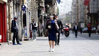 Türkiye'de kadınlar erkeklere nazaran 4 kat ev işi yapıyor.