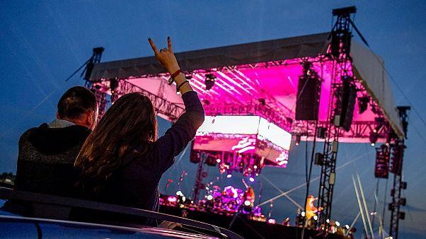 A Tankcsapda autós koncertje Debrecenben